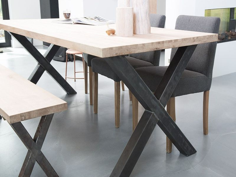 Ho to choose the right dining table furniturespot every meal tells a story and this stories should be portrait in a luxurious way that is why we give to you our vast range of dining tables watchthetrailerfo
